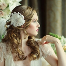 'Saskia Graceful Flower' Ivory Fabric Headpiece