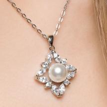 'Finola' Diamante Pearl Classic Bridal Pendant