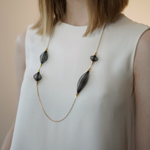 Vlum_handmade_jewellery_Paris_France_necklace_nylon_threads_lightweight_jewellery