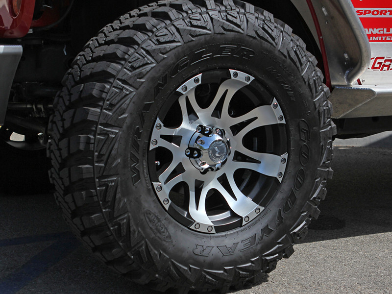 "Raptor wheel on Jeep Wrangler JK with 35"" tires and 1-3/4"" lift"