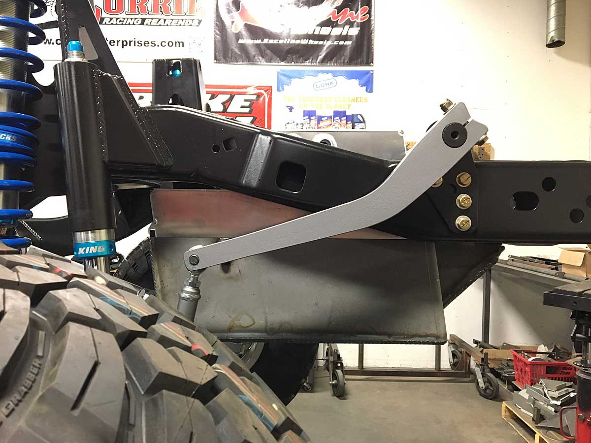 Side view of the GST-8007 tank in the frame with Antirok style sway bar.