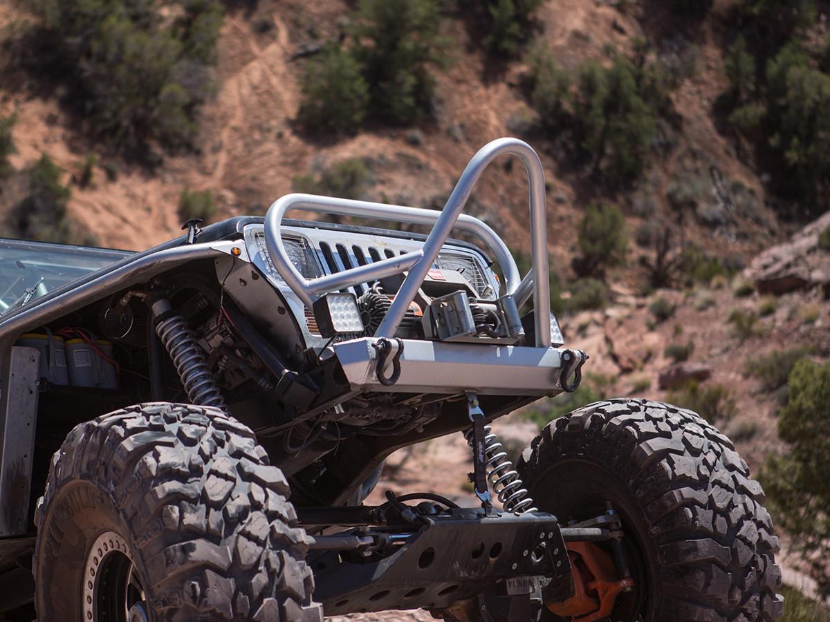 YJ Boulder Stinger Front Bumper w/ Grill Guard - Aluminum