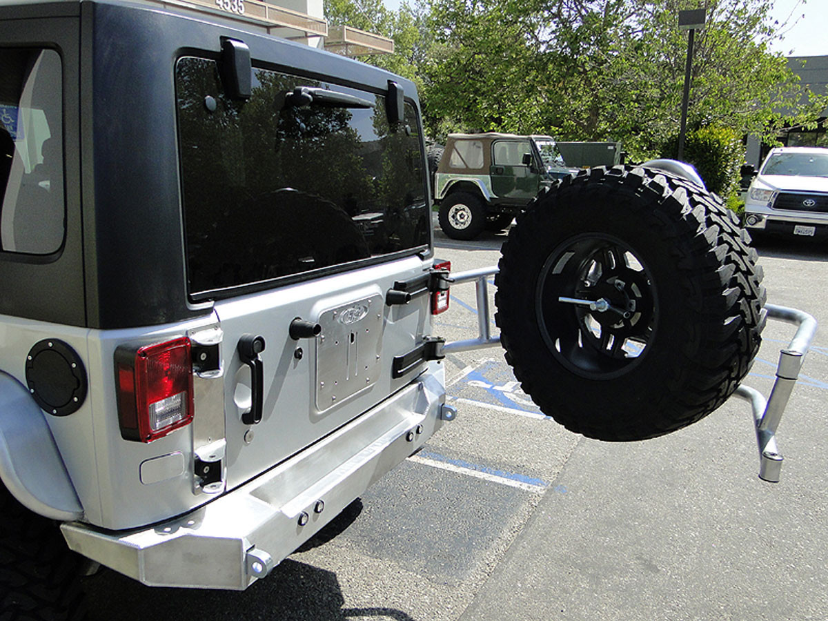 Shown here with GenRight swing out tire carrier (RTC-3810) and tail gate plate (TSK-8010)