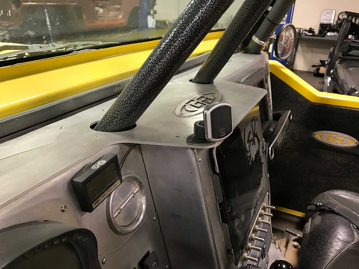 This is how cleanly the tubes run through the dash