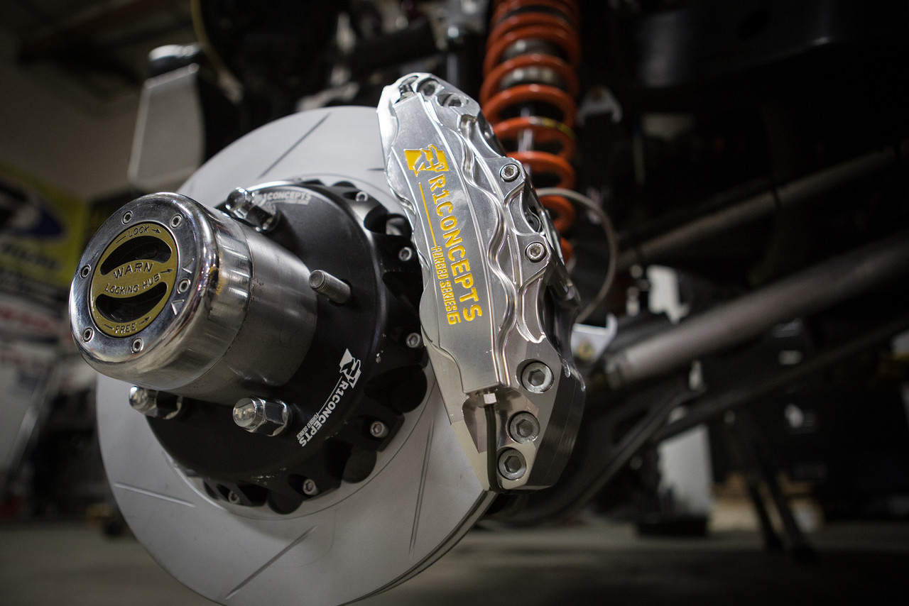 R1 Big Brake Kit on the front Currie axle of our Terremoto Jeep JK
