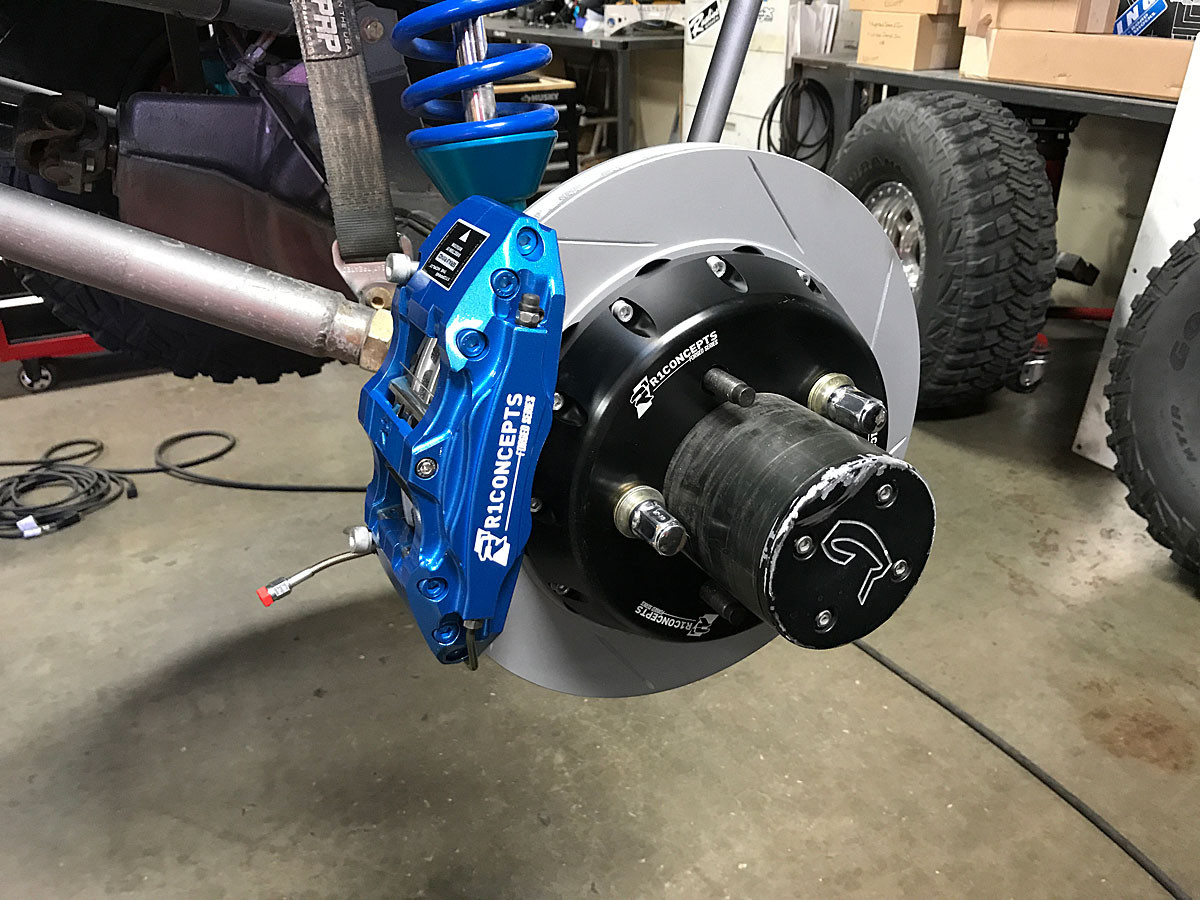 Close up of the R1 Concepts mounted on a Currie Rock Jock rear axle.