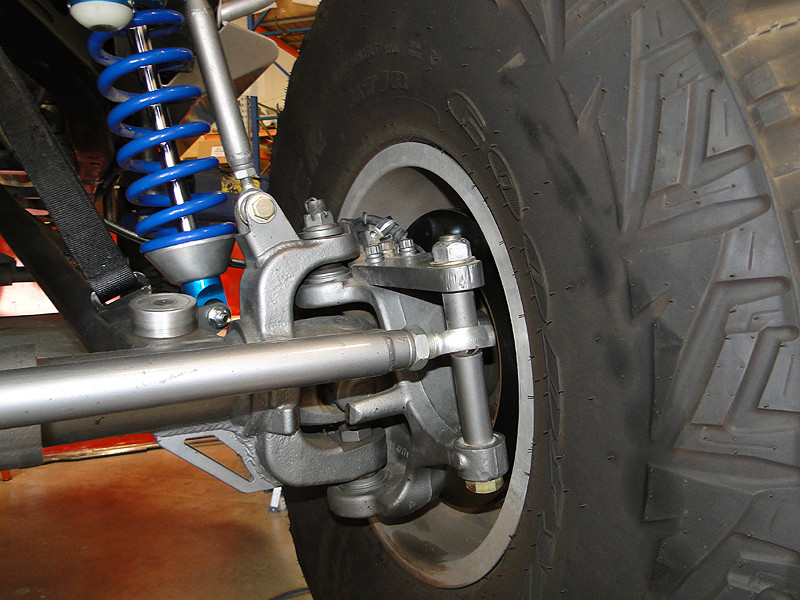 Driver side close up of how it all works on the Currie axle