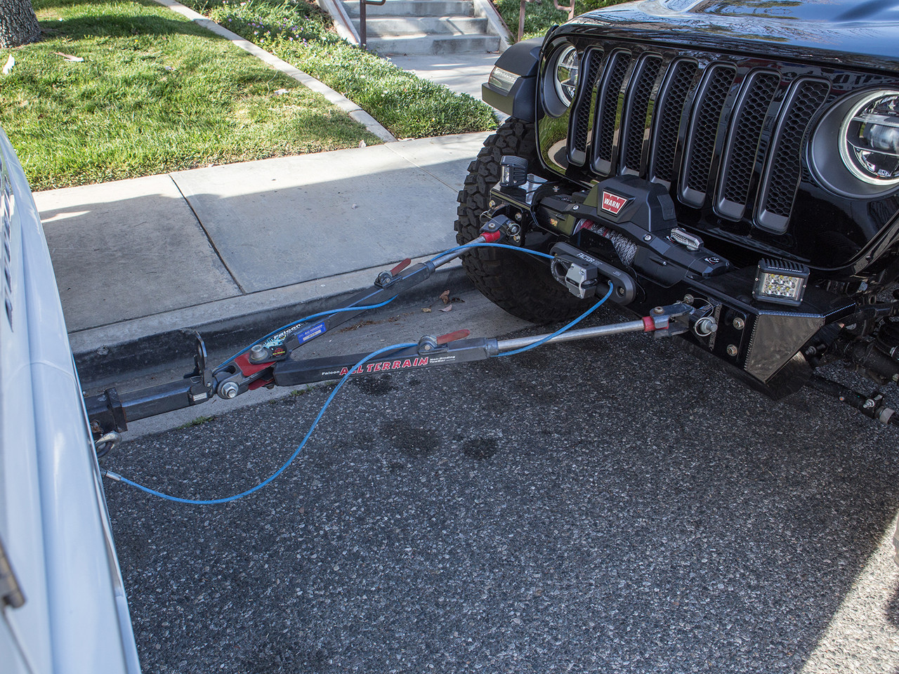 The heavy duty steel tow points allow you to flat tow your Jeep