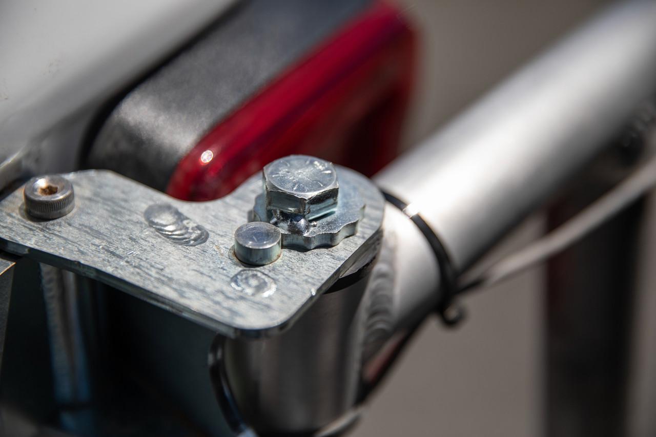 Keyed adjustable top hinge