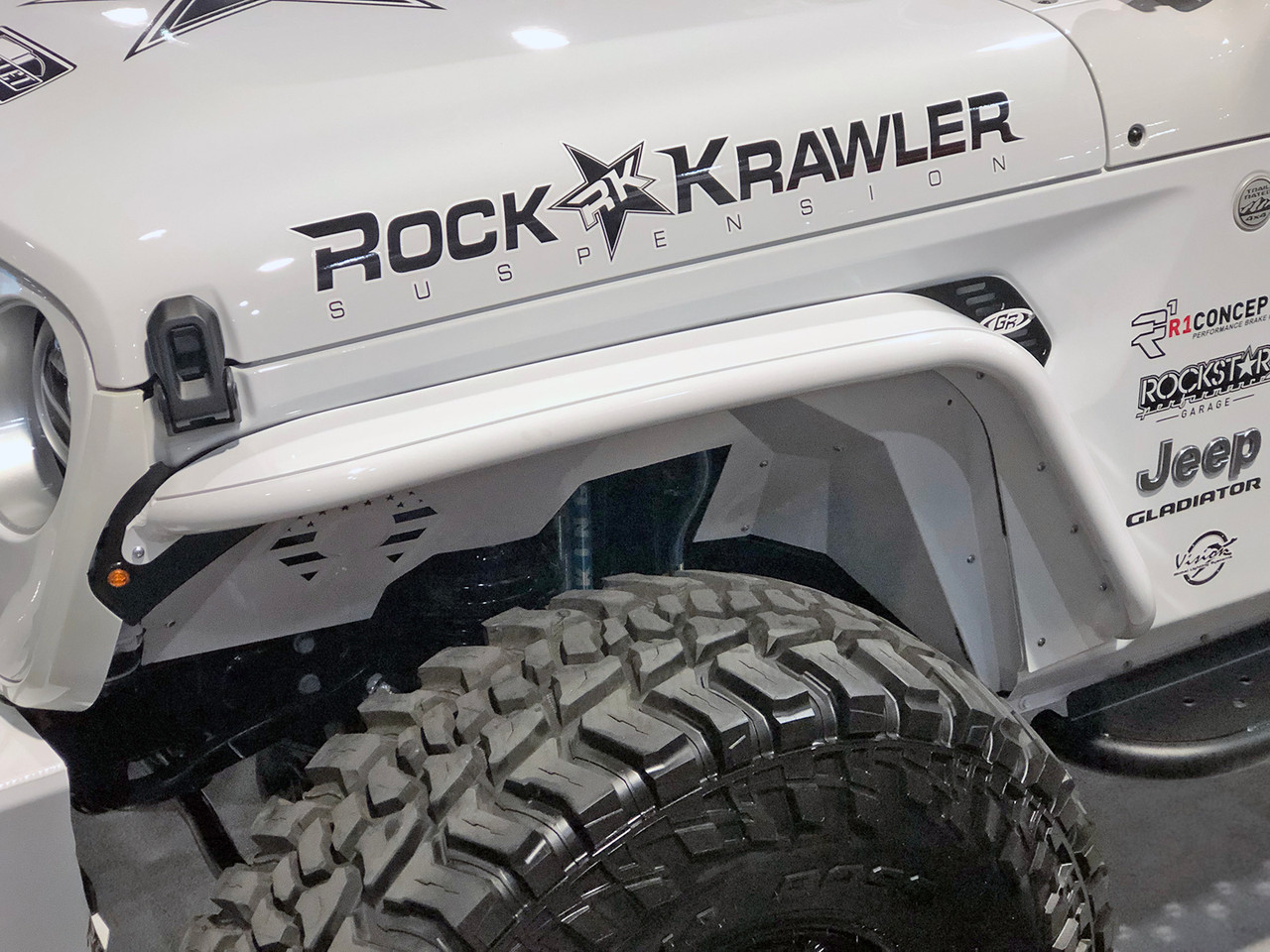 """Seamless fit with both the Jeep JL & JT Gladiator bodies  w/40"""" tire"""