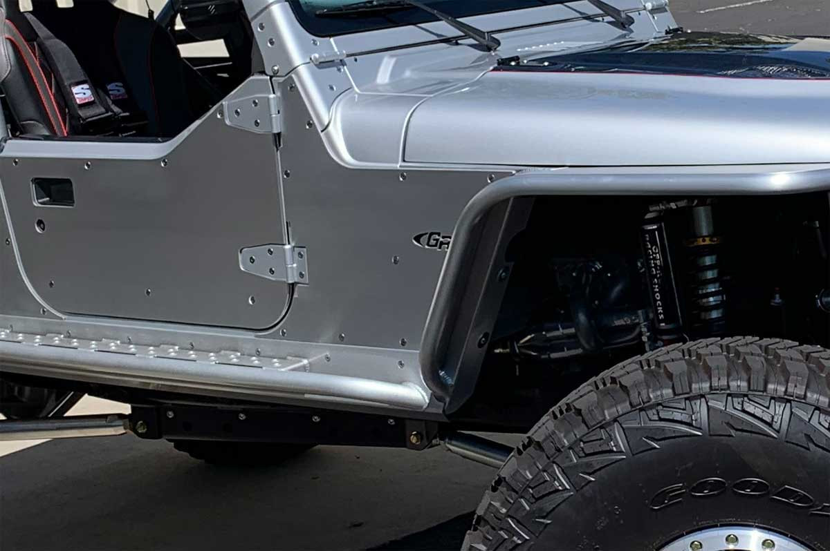 Close up of finished Tub Guard mounted on a Jeep with Mini Boat Side Rockers