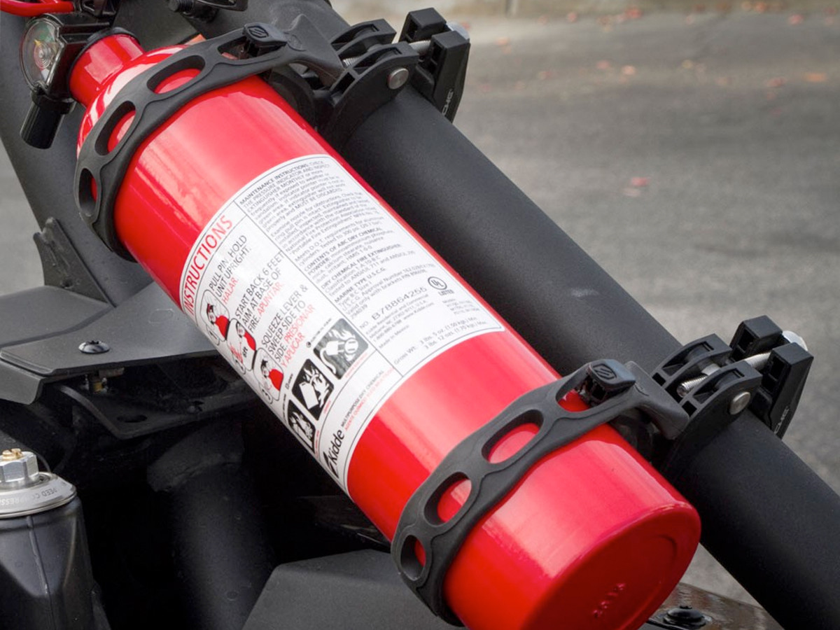 Scosche TerraClamp™ Heavy-Duty Universal Fire Extinguisher/BoomBottle Mount