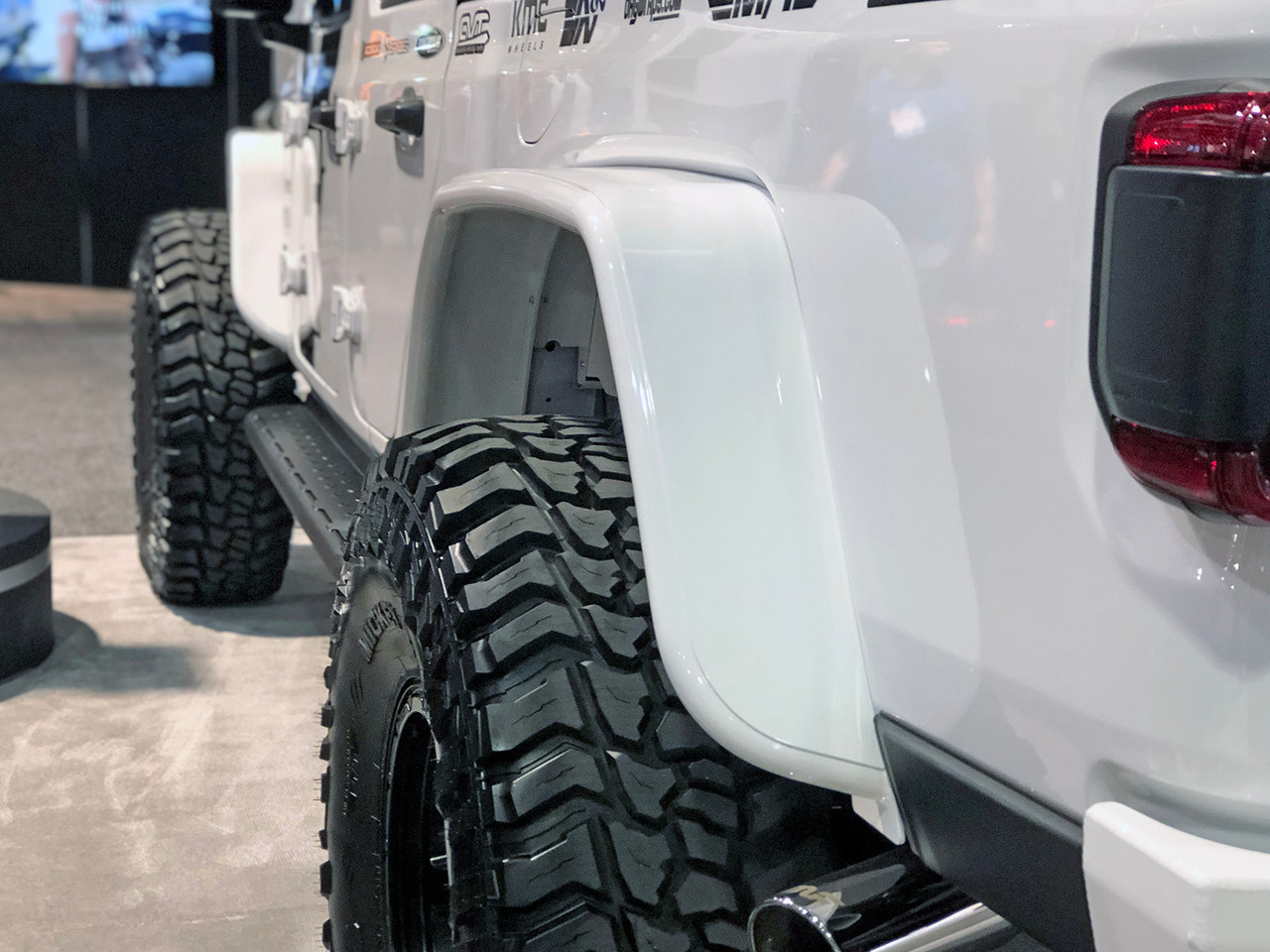 """Good tire coverage w/40"""" tire on Jeep Gladiator (JT) Rear GenRight fenders"""