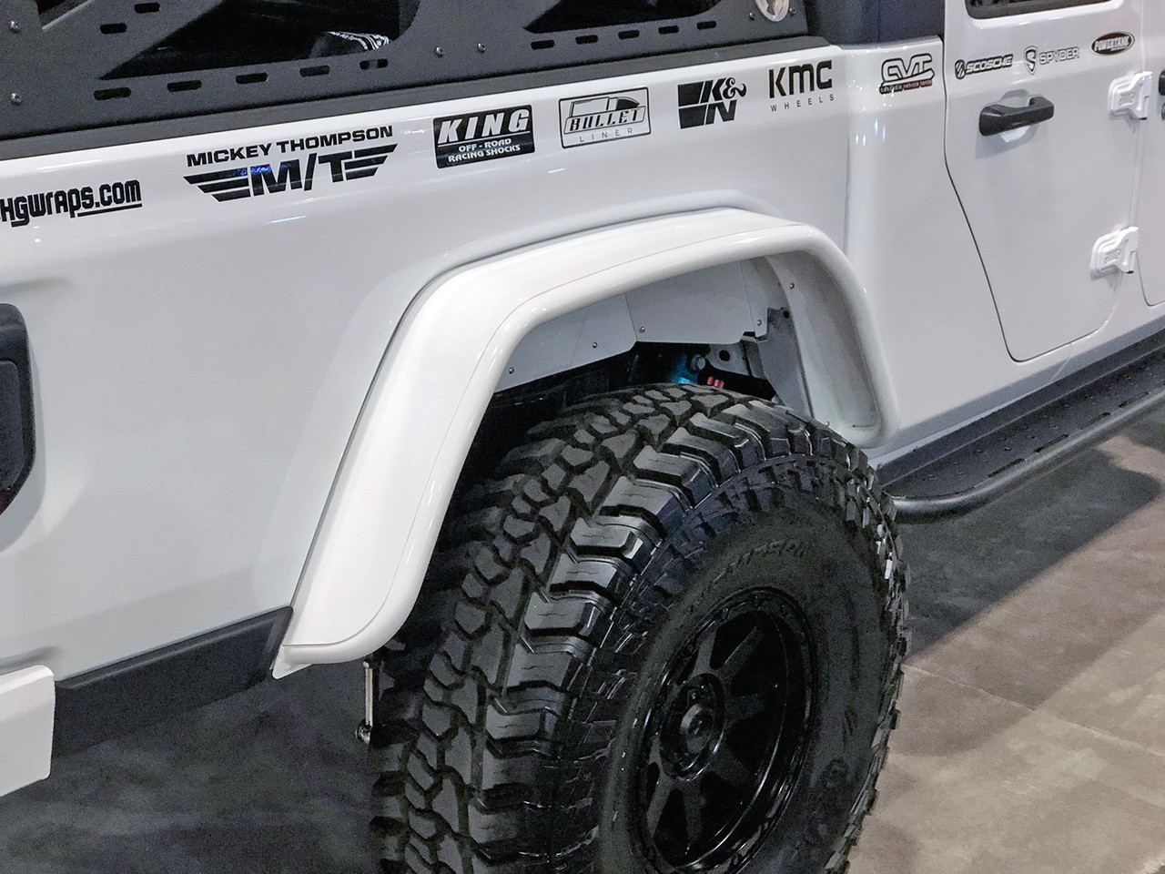 Jeep Gladiator (JT) Rear Tube Fenders powder coated white