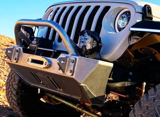 GenRight Rash Guard on the bottom & side of the aluminum front bumper