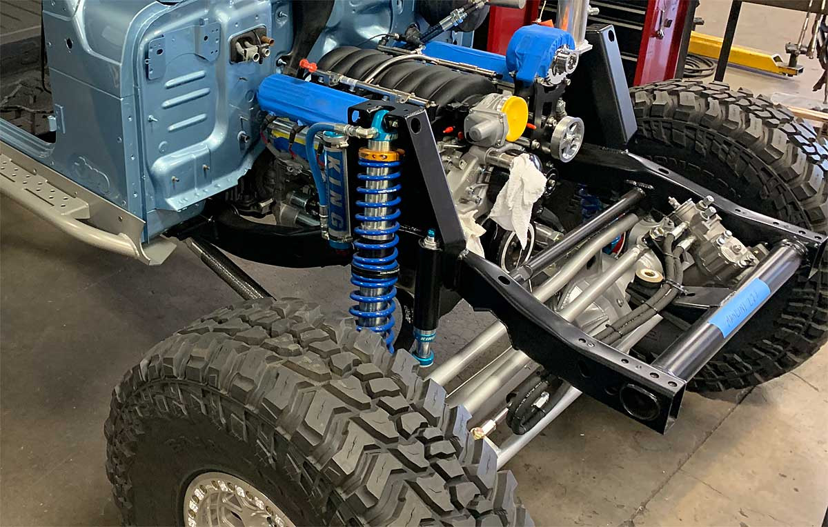 Jeep LJ Tracer build shown with AGR Saginaw box conversion