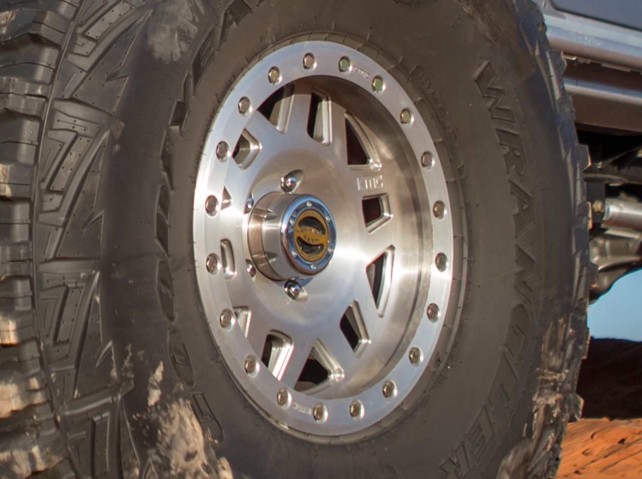 "KMC XD228 Machete 17"" Forged Wheel"