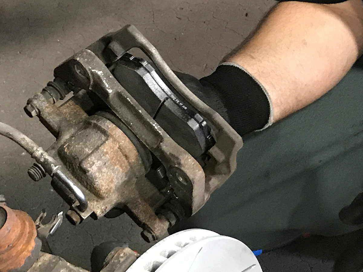 New R1 Performance pads installed in Jeep front caliper