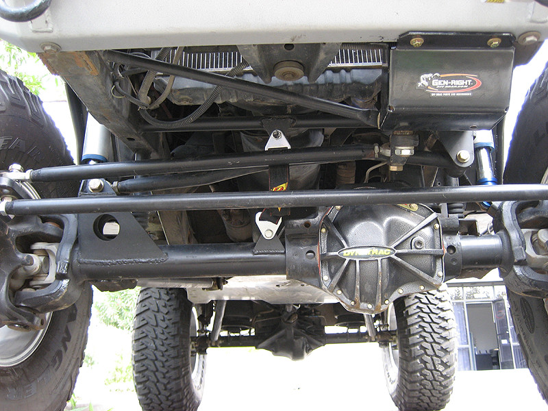 """GenRight's CrMo Tie Rod and Drag Link with 7/8"""" Heims and 3/4"""" Bolts on a Dynatrac ProRock"""