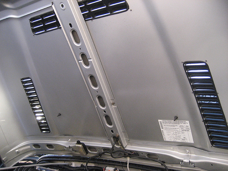 How the underside of the hood looks after mounting