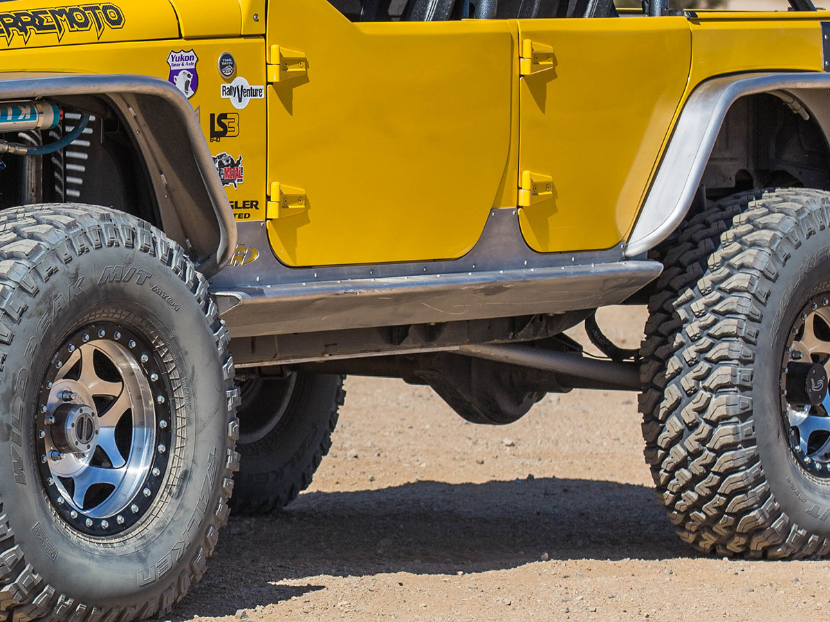 Here you can see how the GenRight 4 Door Jeep JK Rocker Guards are tapered