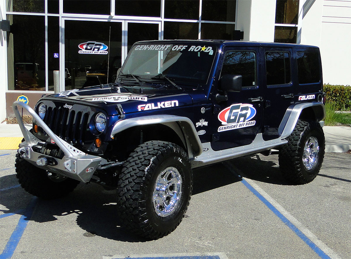 "GenRight Aluminum Tube Fenders on the Jeep JK with 37"" tires"