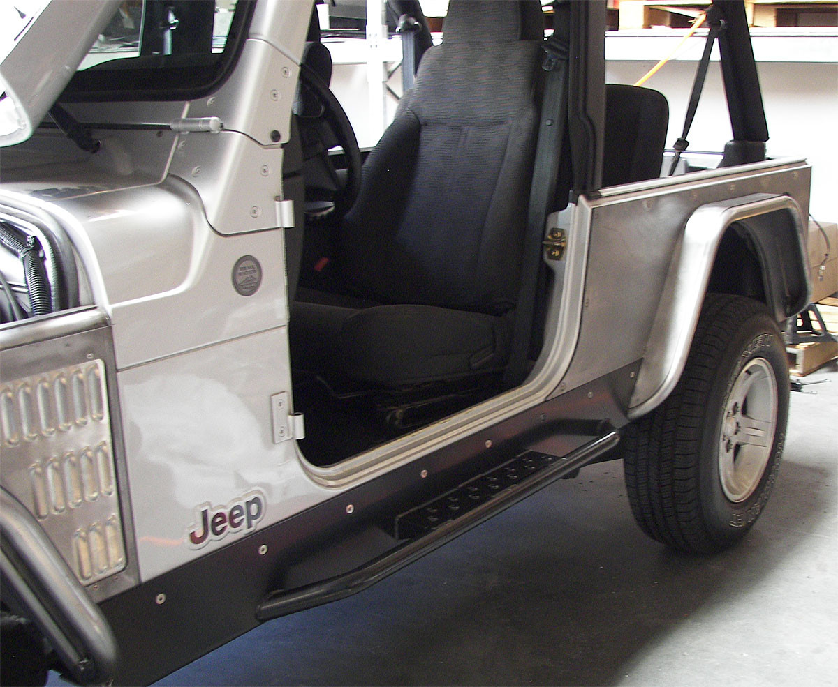 Another view of the corner guard and flare on a Jeep LJ