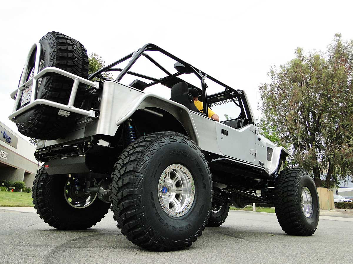 Rear view of tank in stretched LJ with Currie 70 rear axle