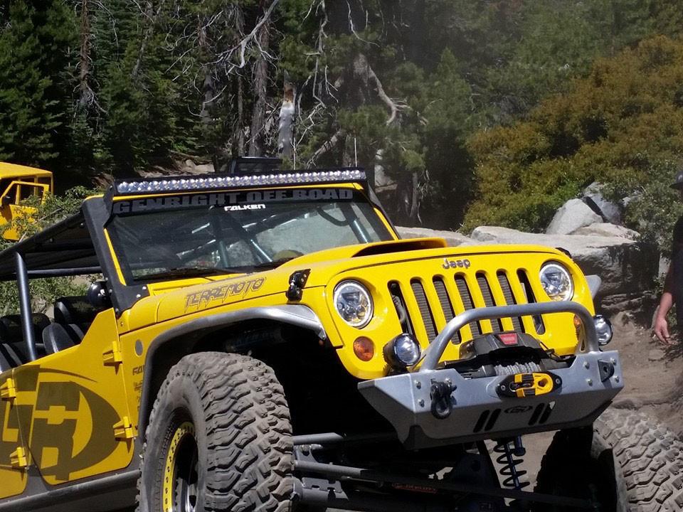 Even Tony runs the Rash Guard on the front bumper on the Terremoto Jeep JK