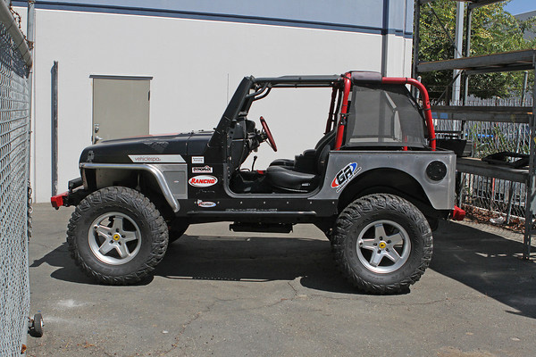 Aluminum TJ corner guards without trimming and no rear flares