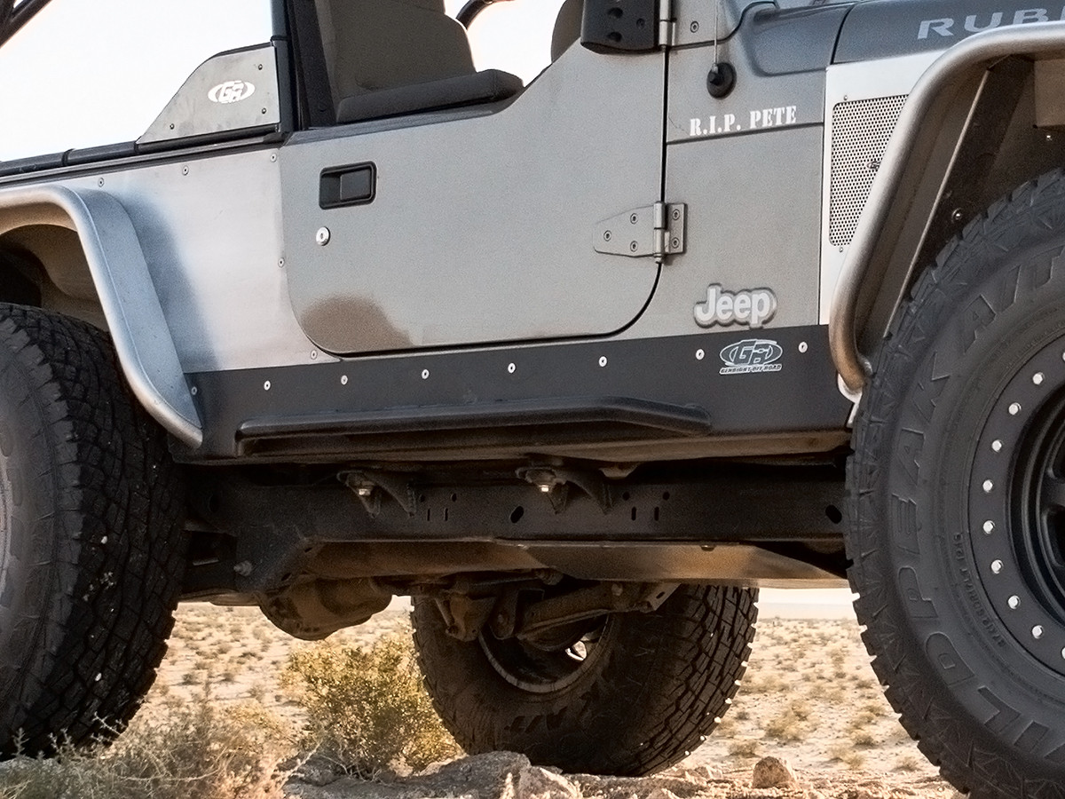 Here you can see how cleanly they mount on the Jeep