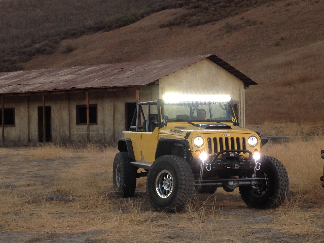 Excellent light pattern from the VisionX LED light bar