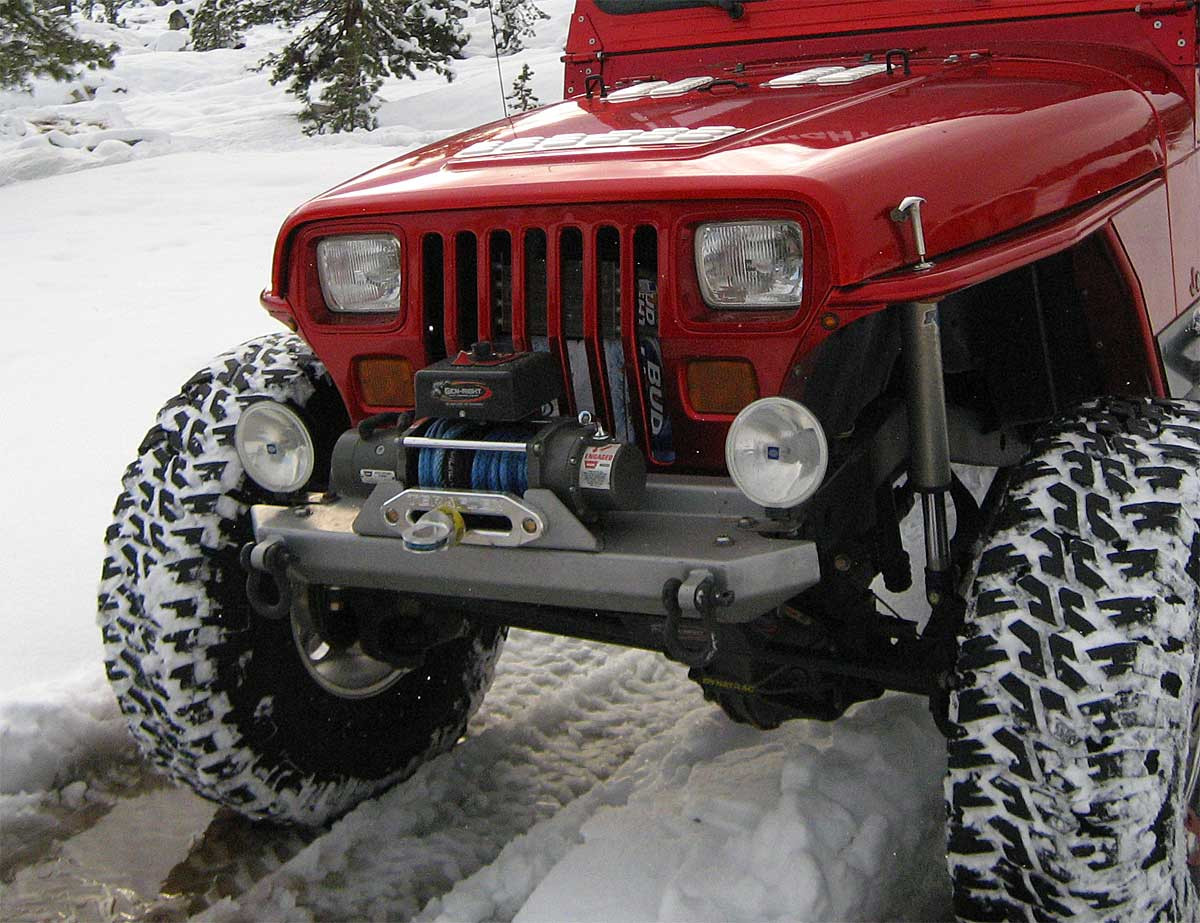 GenRight Stubby Jeep YJ front Bumper with winch and lights