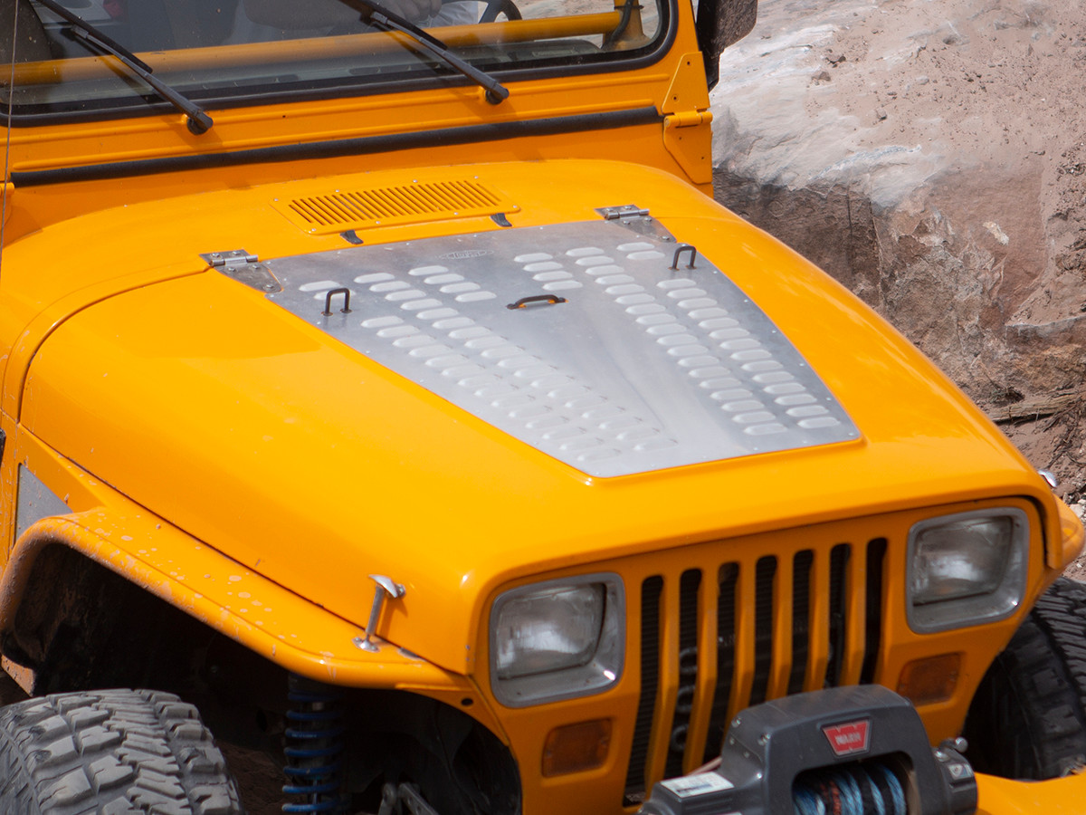 YJ Whole Hood Louver Installed