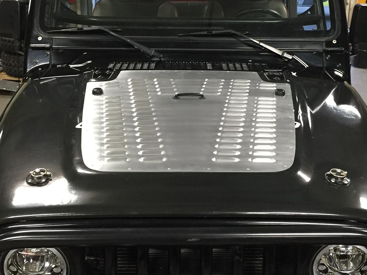 TJ/LJ Whole Hood Louver Installed