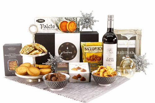 Xmas gift basket delivery to Europe