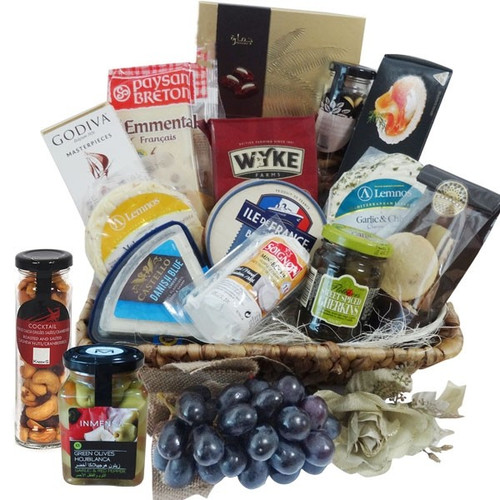 Send gifts baskets to Dubai UAE