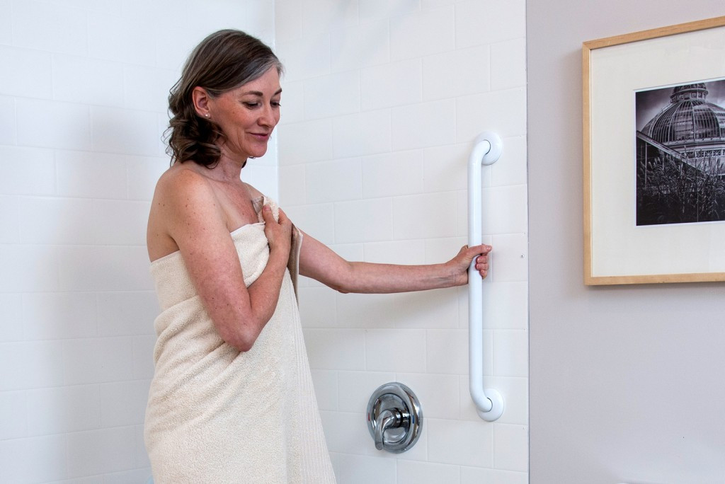 """HealthCraft Easy Mount 24"""" Grab Bar 500lb Capacity Stainless Knurled Ada Compliant G125SK24F9-1PK"""