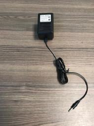 AC DC Adaptor Input AC100-245V 60HZ Output DC9V 850MA AC/DC - EE735147