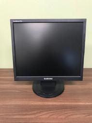 Samsung 17 Inch Syncmaster TFT LCD Monitor 731N Black - EE742926