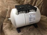 20 Litre Horizontal Pressure Tank with mounting plate and support feet