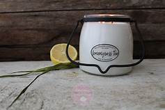 An earthy uplifting fragrance. Fresh green notes with hints of Meyer lemons and sweet ginger.