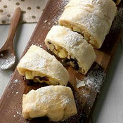 Fresh apples baked with juicy raisins in a fragrant blend of spices topped with a buttery crumb strudel. This will take you right back to Grandma's kitchen on baking day.