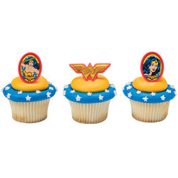 Wonder Woman Amazing Amazon Cupcake Rings 12 pack