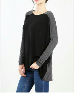 Gray/Black Knit Top