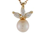 Colgante De Dama Con Perla De Agua Dulce Y Circonita Brillante En Oro De (OM#10219)