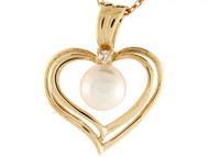 Colgante De Corazon Con Perla De Agua Dulce Y Diamante De 0.025cttw En Oro 14k (OM#3404)