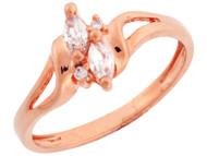 Anillo De Compromiso Con Circonita Marquise Y Acentos Redondos En Oro Rosa (OM#3332)