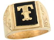 Anillo De Hombre De Lujo Con Letra Inicial T Y Onix Tamano 12x10mm En Oro (OM#5683)