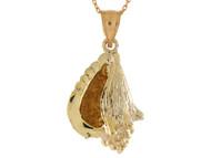 Colgante Con Disenno De Concha De Mar Clasica En Oro Amarillo De (OM#10753)